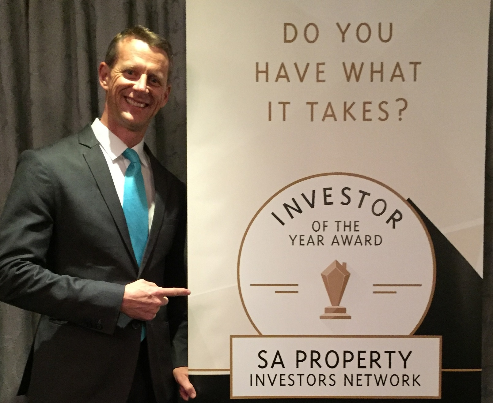 Robin Booth Juding Investor fo the Year Award
